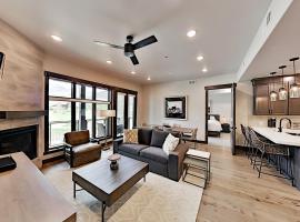Brand-New Canyons Village Basecamp at Blackstone condo, apartment in Park City
