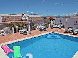 Family villa with pool, wifi and pool table