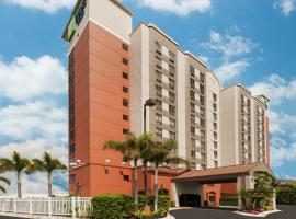 Holiday Inn Express & Suites - Nearest Universal Orlando, hotel cerca de Universal Studios Orlando, Orlando