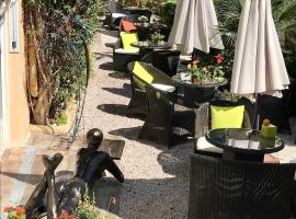 Idéal Séjour - Hôtel de Charme et Atypique, hotel near Villa Domergue, Cannes