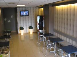 albergue SANTO SANTIAGO, hotel in Santiago de Compostela