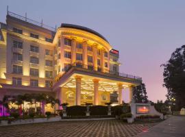 Ramada Plaza, Chandigarh, Zirakpur, hotel in Chandīgarh