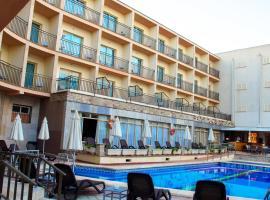 Hotel Iris, budget hotel in El Arenal
