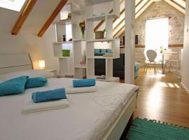 Tragos Lemon Tree, hotel in Trogir