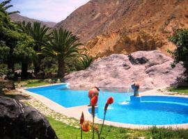Paraiso Las Palmeras Lodge, hotel with pools in Cabanaconde