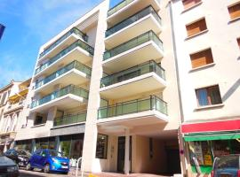 3 Bedrooms, 3 bathrooms central Cannes Lecerf 411