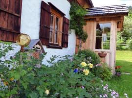 Ferienhaus Pucher, hotel in Grundlsee