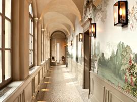 Palazzo Righini, hotel in Fossano