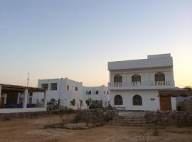 Fayrouz Beach Camp, hotel in Nuweiba