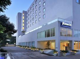 Hometel Chandigarh, hotel in Chandīgarh