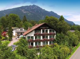 Grainauer Hof, hotel near Burgruine Werdenfels, Grainau