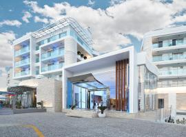 Blue Bay Platinum, מלון במרמריס