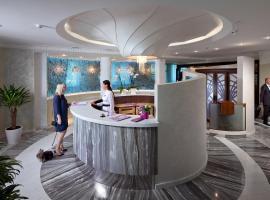 Iris Art Hotel