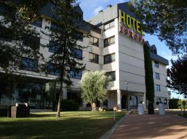 Hospedium Hotel Europa Centro, hotel in Magaz De Pisuerga