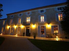 Le Castel Pierre - Maison privée 4 étoiles - 18 personnes