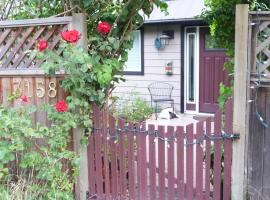 Cycle Inn Bed and Breakfast, hotel near Havenwood Park, Langford