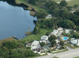 Lake Ida Beach Resort, resort village in Winter Haven