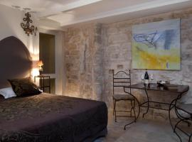Aux Augustins, accessible hotel in Avignon