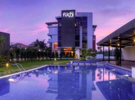 Hotel Le Ruchi The Prince, hotel with pools in Mysore