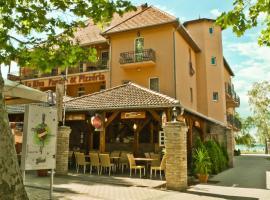 Hotel La Riva, hotel in Siófok