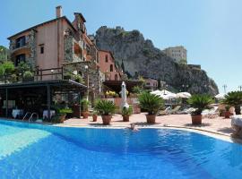 Hotel Villa Sonia, hotel near Il Picciolo Golf Club, Castelmola
