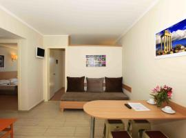 Sun City Apartments & Hotel, hotel with jacuzzis in Side