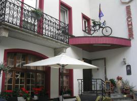 Hotel Escher, hotel in Leukerbad