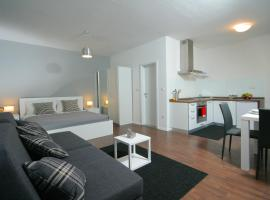 Charm Apartments And Rooms, hotel in Trogir