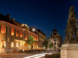 Best Western Premier Grand Monarque Hotel & Spa, hotel in Chartres