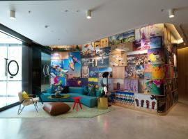 QT Bondi, hotel near Bondi Beach, Sydney