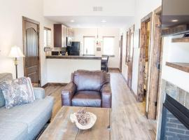 Bear Lake 120 Apartment, pet-friendly hotel in Estes Park