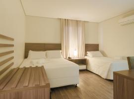 Umbu Hotel Porto Alegre - Próx ao hospital Santa Casa - Possui estacionamento, hotel in Porto Alegre