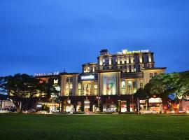 The Waterfront Hotel Kuching