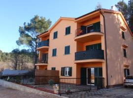 Apartment Mijos, room in Soline