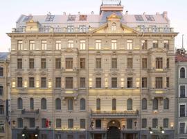 Petro Palace Hotel, отель в Санкт-Петербурге, рядом находится Здание Адмиралтейства