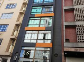 USEHOTEL - A uma quadra do complexo hospitalar Santa Casa - Estacionamento gratuito, hotel in Porto Alegre