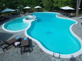 Grand Hotel & La Pace Spa، فندق في مونتيكاتيني تيرمي