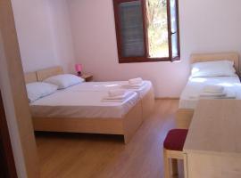 Resort Village T.N. Milna, hotel u Visu