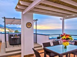 The Beach Penthouse, hotel in Torrox Costa