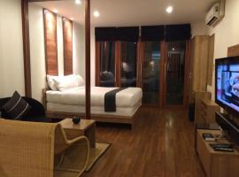 5ive Beach House Hotel