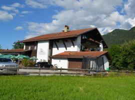 Alpchalet Schwanstein, Hotel in der Nähe von: Schloss Neuschwanstein, Halblech