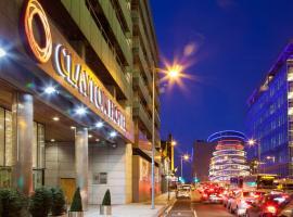Clayton Hotel Cardiff Lane, hotel em Dublin