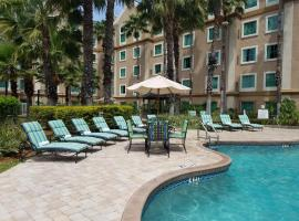 Hawthorn Suites by Wyndham Lake Buena Vista, a staySky Hotel & Resort, hotel v oblasti Lake Buena Vista, Orlando