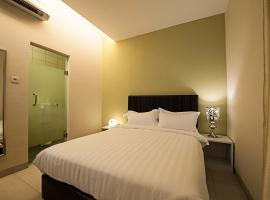 Seven Boutique Hotel, hotel in Putatan