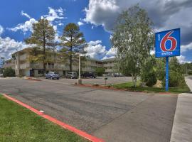 Motel 6 Flagstaff West- Woodland Village