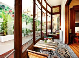The Hipstel Paseo De Gracia, hotel near La Pedrera, Barcelona