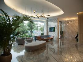 Qianhai Holiday Hotel