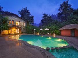 Taj Corbett Resort & Spa, Uttarakhand, room in Rāmnagar