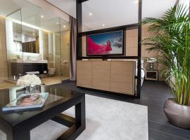 Dominic Smart & Luxury Suites - Republic Square