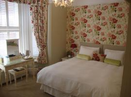 The Mayfair guest house self catering, hotel near Princess Anne Hospital, Southampton